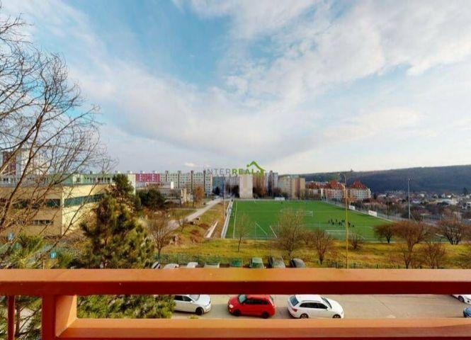 4 izbový byt - Košice-Sídlisko KVP - Fotografia 1