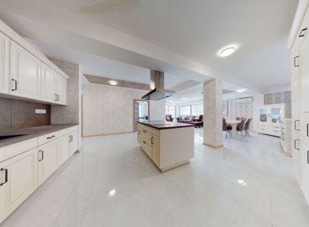Nový zariadený 4 izb. apartmán GALLERY LUX č. 26 /156 m2, balkón 14,5 m2/ Piešťany