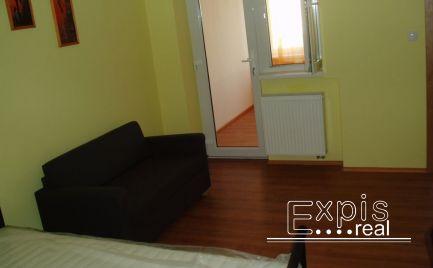 PRENÁJOM 1 izbový byt .Situovaná v lukratívnej časti centra Starého Mesta  na ulici Nam. 1. Mája v Bratislave . Expisreal
