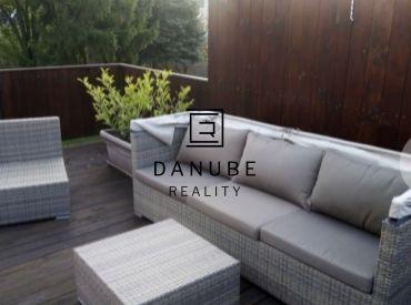 Predaj domu s 3 bytovými jednotkami a komerčným priestorom v Bratislave-Ružinove na Stachanovskej ulici.