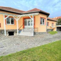 Rodinný dom, Lučenec, 550 m², Kompletná rekonštrukcia