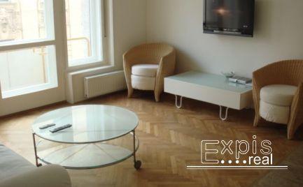 PRENÁJOM 3 izbového bytu o rozlohe 70m 2. Situovaný v lukratívnej časti v centre Starého Mesta  na ulici Gorkého v Bratislave . Expisreal