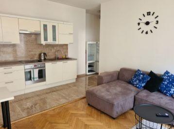 BA I. Na prenájom 3 izbový byt v centre na Gorkého ulici