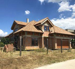 STARBROKERS - Predaj 5 izb. rozostavaného RD v novovzniknutej lokalite Tri vody I, obec Malinovo, 10 km od BA