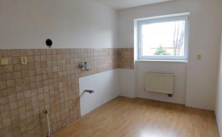 2 izbový byt v Michalovciach s garážou a pozemkom