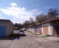 Na prenájom garáž s jamou 23 m2 Prievidza FM1070