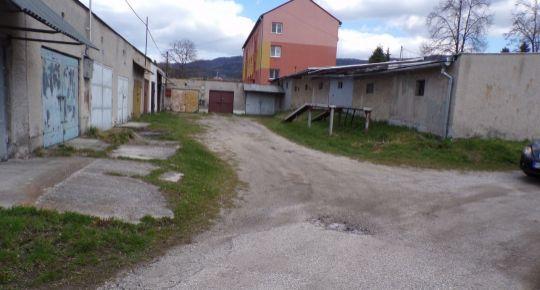 Na prenájom murovaná garáž 21 m2 Handlová FM1072