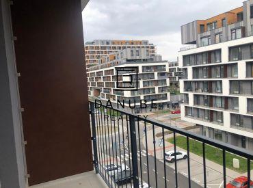 Prenájom1 izbový byt 35 m2 s loggiou a výťahom v Petržalke, na ulici Zuzany Chalupovej,  Slnečnice, Bratislava-Petržalka.