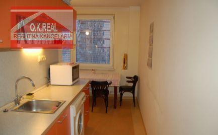 Prenajmeme priestranný 2-izbový byt /62m2/ s balkónom na ulici Nezábudková, pri OC RETRO, lokalita Bratislava II.-Ružinov