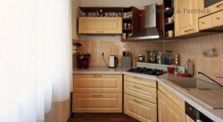 3 izbový byt v tehlovom dome pri Štrkoveckom jazere.