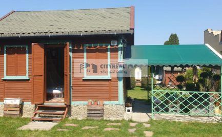Predáme peknú chatku možnosťou celoročného bývania NZ