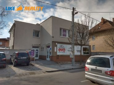 REZERVOVANÉ -Prenájom - kancelárske a obchodné priestory ul. Sládkovičova - Piešťany