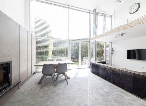 Na prenájom moderne zariadený 4 izbový dom v krásnom prostredí vinohradov na Vavrineckej ulici