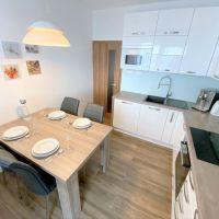 4 izbový byt, Bratislava-Petržalka, 83.33 m², Kompletná rekonštrukcia