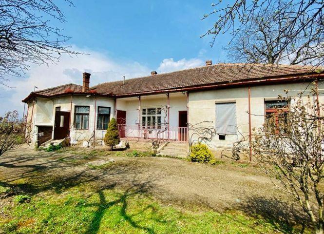 Rodinný dom - Moldava nad Bodvou - Fotografia 1