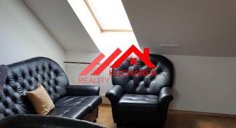 Kuchárek-real:  Prenájom 3 izbového bytu v rodinnom dome Pezinok.