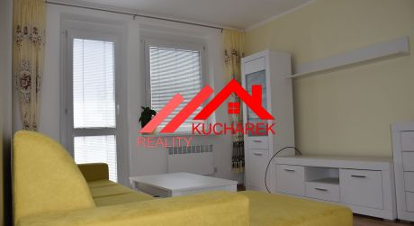 Kuchárek-real: Ponúka 2 izbový byt, po kompletnej rekonštrukcii v centre Pezinka.