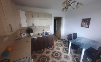 Na predaj krásny 2 izbový byt v Sačurove s vlastnou garážou.