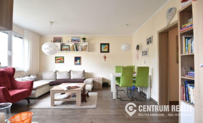 Predaj: 3 izbový kompletne zrekonštruovaný byt, Podlavice