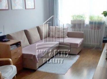 REZERVOVANÝ Veľký 4 izbový byt (rožný) vo výbornej lokalite na ulici FEDINOVA