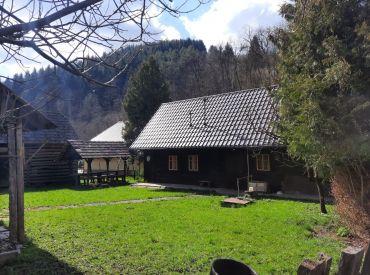 Víkendová drevenica v obci Lazy pod Makytou, pozemok 509 m2