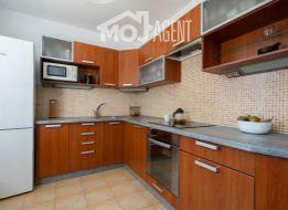 Veľký 2 izbový byt (60m2), tiché prostredie, pri OC Retro,