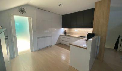 Luxusný veľkometrážny mezonetový 4-izbový byt s terasou