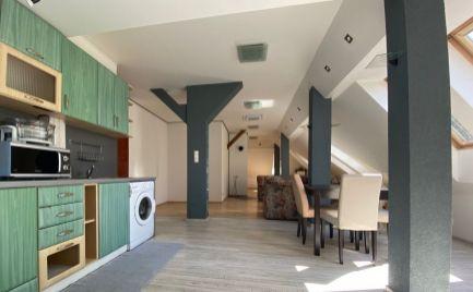 Na prenájom veľký 2-izbový byt v Centre mesta