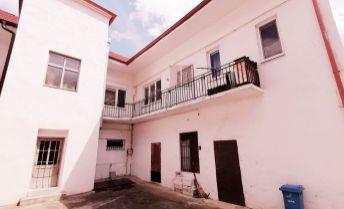 Exkluzívna ponuka!!! Na predaj  meštiacky dom  s obrovským potenciálom v centre mesta Hlohovec
