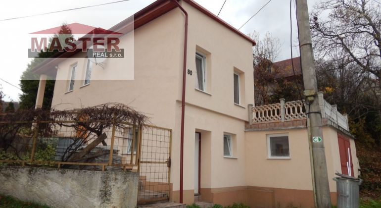 MASTER REAL-Exkluzívne-Na predaj 4-izbový rodinný dom 240 m2, Šútovce, okres Prievidza