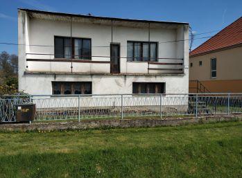 Pozemok s rodinným domom Zlaté Moravce - Sľažany
