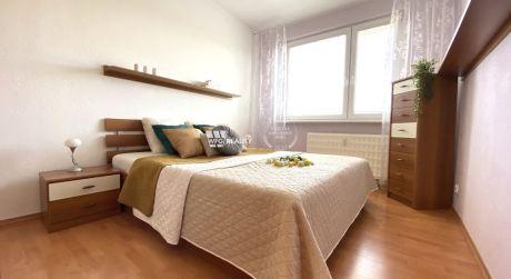 Predané - 3 izbový zrekonštruovaný byt s loggiou - Solinky