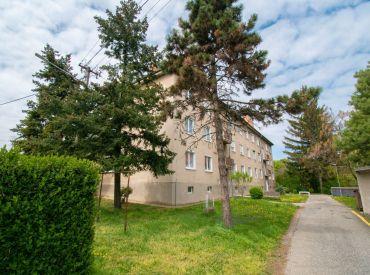Na predaj 2-izbový byt, kompletná rekonštrukcia, Družstevná ul., Bernolákovo, kúpou voľný