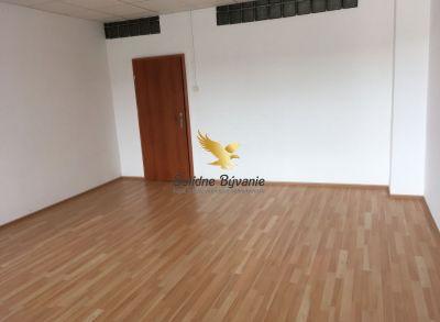 Kancelársky priestor na Zvolenskej ceste 33,6m2
