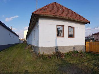 Skvelá lokalita. Na predaj dom v Snine (N008-12-JOHA)