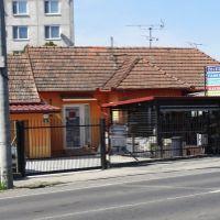 Objekt pre obchod, Zlaté Klasy, 68 m², Čiastočná rekonštrukcia