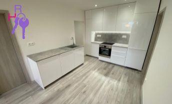 Na predaj 4 izbový byt po kompletnej rekonštrukcii v príjemnej lokalite Petržalky