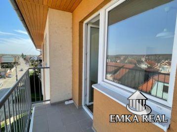 Vlastné kúrenie ! NOVOSTAVBA 2 izb. bytu s balkónom s nádherným výhľadom na Karpaty !!!