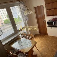 3 izbový byt, Senica, 68 m², Čiastočná rekonštrukcia