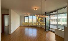 PREDAJ: 4i byt (112m2) s veľkou zasklenou loggiou (17m2) + 2 parkovacie státia - 3 Veže, Bajskalská ulica