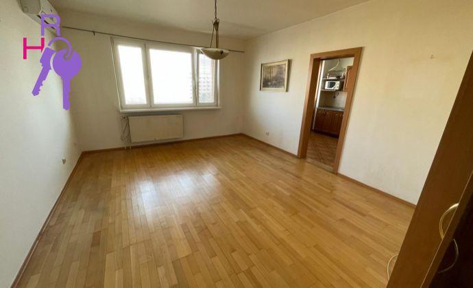 Ponúkame Vám na predaj 3 izbový byt vo vyhľadávanej lokalite Ružinova