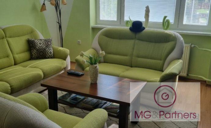 ***100 % Aktuálny 4 izbový rodinný dom v obci Opoj - kompletná rekonštrukcia