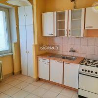 3 izbový byt, Zvolen, 75 m², Čiastočná rekonštrukcia
