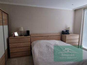 Ponúkame Vám na predaj 1 izbový byt v Partizánskom.