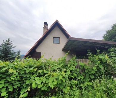ZNÍŽENÁ CENA!!!! Exkluzívne u nás. Ponúkame na predaj rekreačnú chatu  v chatovej oblasti Udiča - Uhry.
