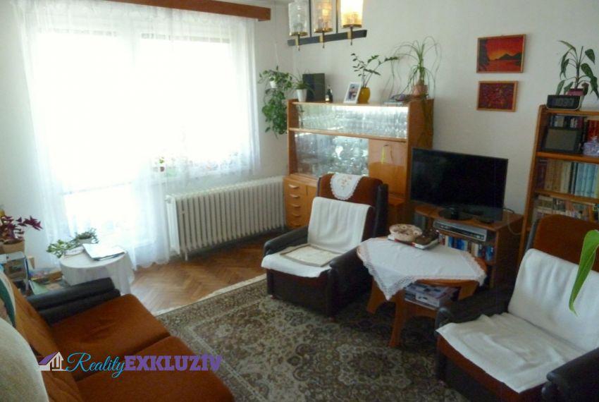 Predaj 4 izbový byt Poltár-1