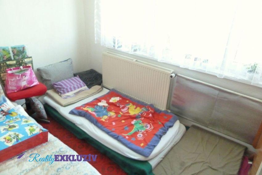 Predaj 4 izbový byt Poltár-4