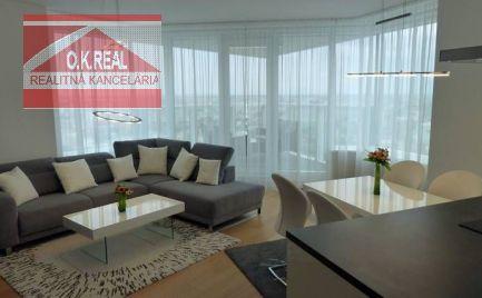 Ponúkame na prenájom luxusný, kompletne vybavený 3-izbový byt v novostavbe Panorama City na 31/33 poschodí. Vo veži 2 (bližšie k Eurovei), Landererova ulica