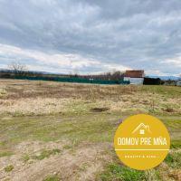 Pre rodinné domy, Rajčany, 520 m²