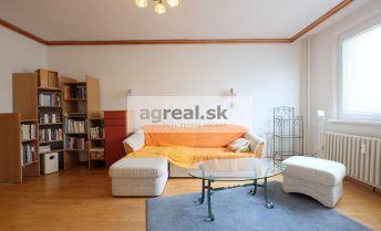 3-izb. byt s loggiou na predaj / Bratislava Petržalka - Mamateyova ul.